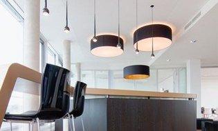 gro e lampenschirme glas pendelleuchte modern. Black Bedroom Furniture Sets. Home Design Ideas